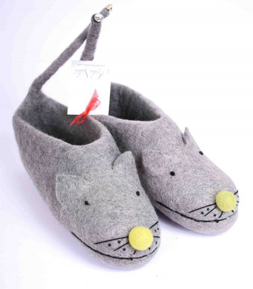 felt-mouse-slippers-green-nose