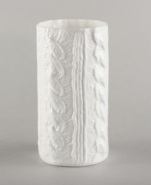porcelain-vase-with-plaits-knitted