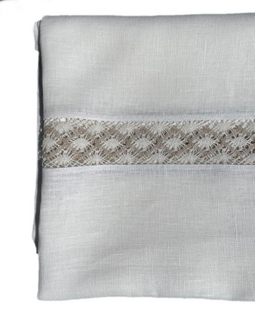 tablecloth-middle-lace