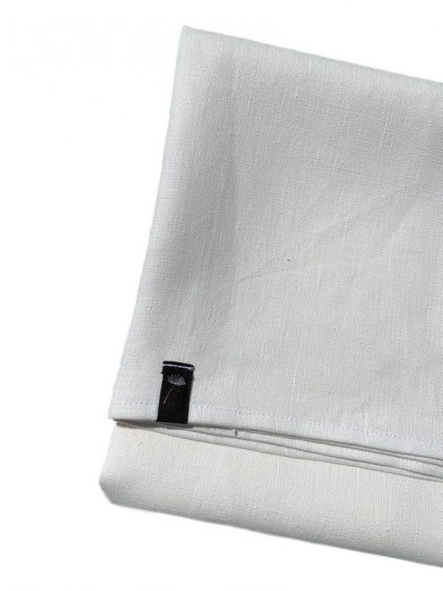 white-linen-tablecloth