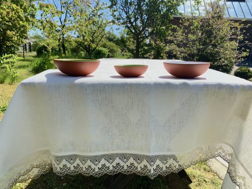 white_grey_lace_tablecloth
