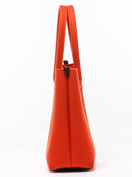 casual-felt-handbag