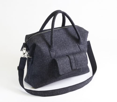 felt-bag-traveller-handmade