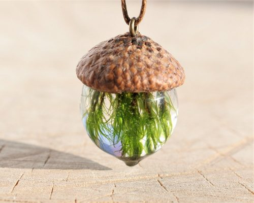 natural-acorn-necklace-with-moss