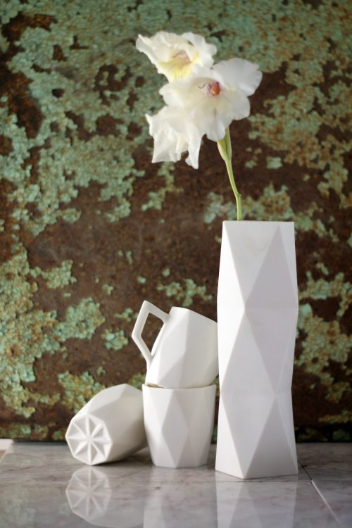 white-porcelain-geometric-mugs-vase