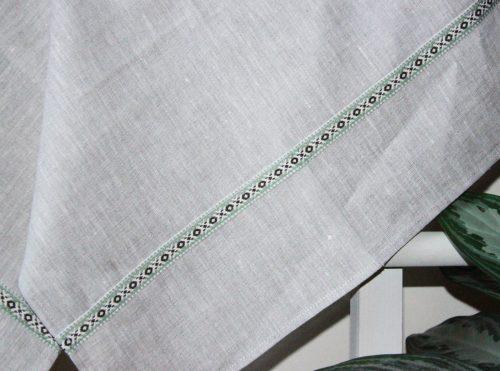 green-ribbon-towel