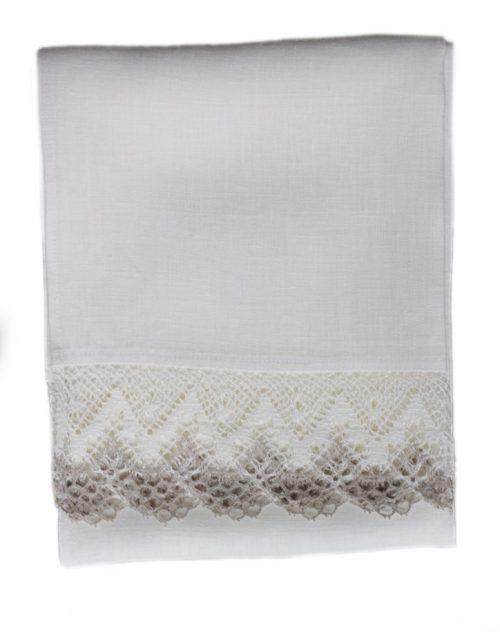 linen-runner-white-lace