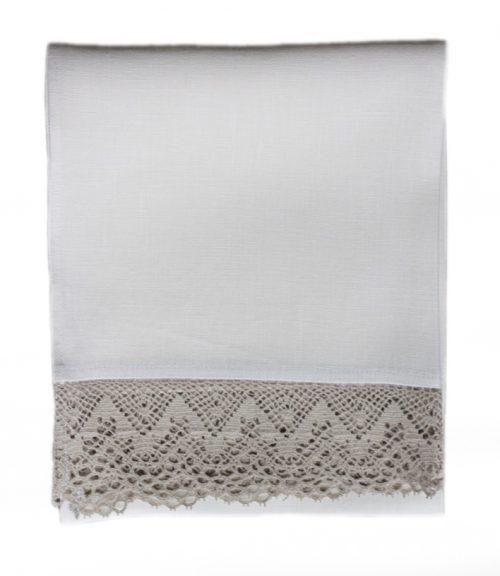 white-linen-towel