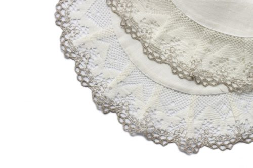 white-round-linen-napkin