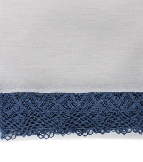 white-tablecloth-blue-lace