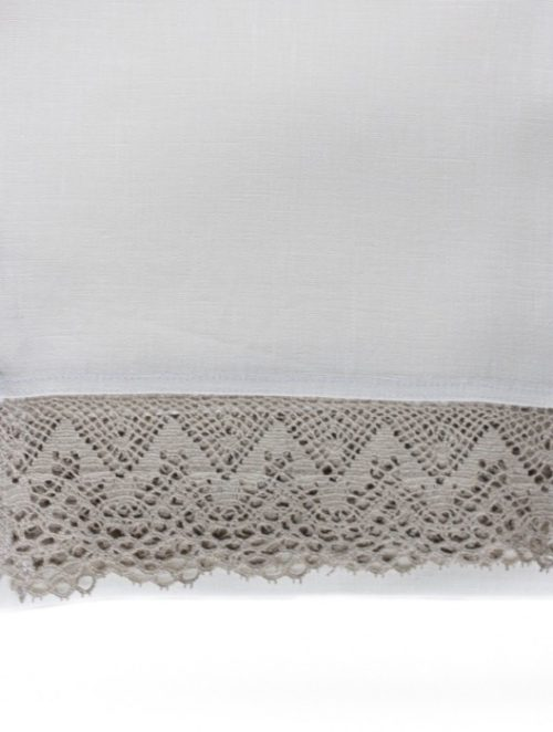 white-tablecloth-grey-lace