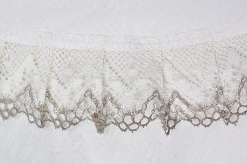 round-tablecloth-white-linen